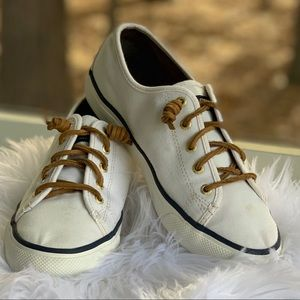 Sperry canvas boat shoes, size 8